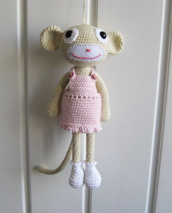 Małpka w sukience – wzór