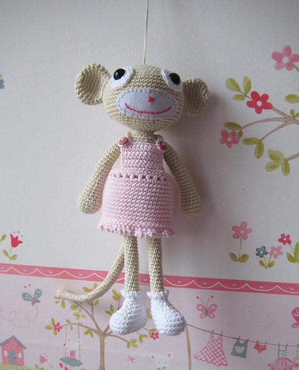 Małpka w sukience